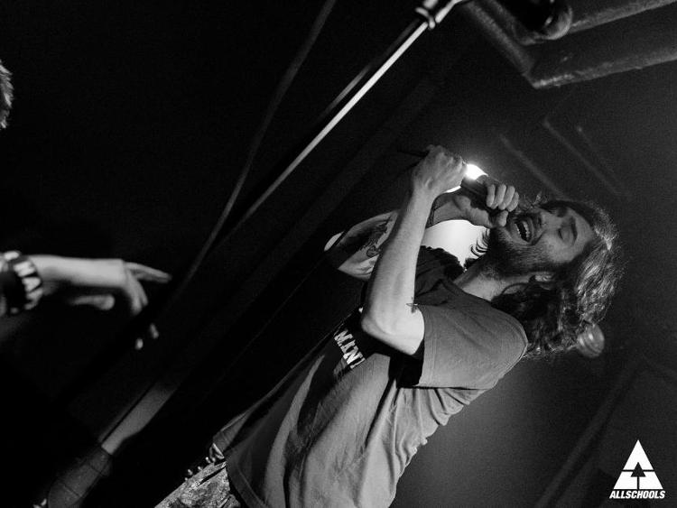 Photo zu 03.04.2017: REAL FRIENDS, MICROWAVE, HOLLY WOULD SURRENDER - Hamburg - Hafenklang