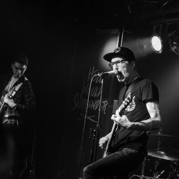 HOLLY WOULD SURRENDER - Köln - Underground (01.05.2016)
