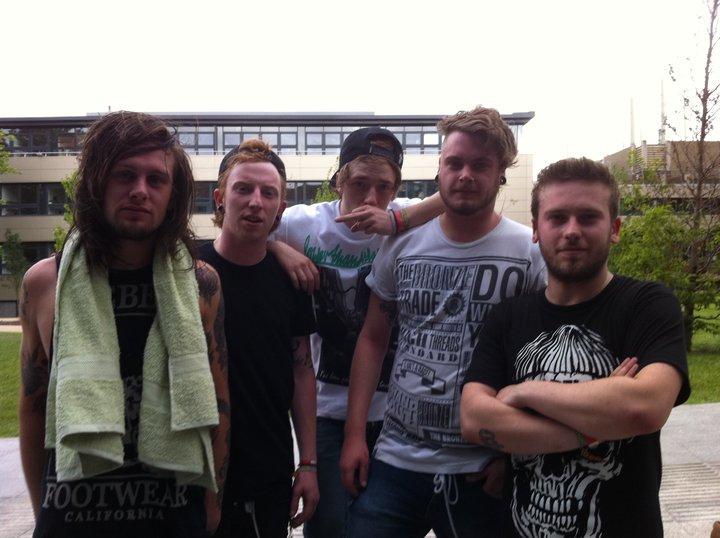 Photo zu 19.10.2011: While She Sleeps - Hamburg - Headcrash