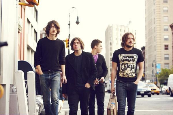 Photo zu 20.08.2009: Arctic Monkeys - Köln - Kulturkirche